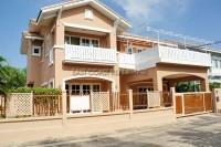 Baan Fah Rim Haad дома Продажа в  Джомтьен