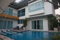 Baan Piam Mongkol houses Продажа в  Восточная Паттайя