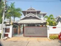 Baan Samran houses Продажа в  Восточная Паттайя