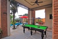 Beverly Thai House Pool Villa 835740