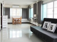 Censiri Home Town  houses Продажа в  Восточная Паттайя