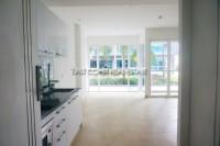 Centara Avenue Residence 9942