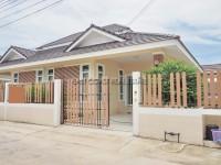 Chockchai Village 10  дома Аренда в  Восточная Паттайя