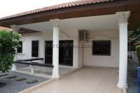 Eakmongkol Village дома Продажа в  Джомтьен