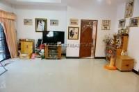 Eakmongkol Village  993712