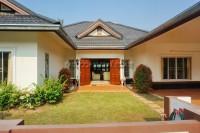 European Thai House Village houses Продажа в  Восточная Паттайя