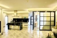 Executive Residence 1 846423