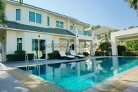 Green Field Villa 4 houses Продажа в  Восточная Паттайя