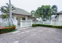 Green Field Villa 3 houses Продажа в  Восточная Паттайя