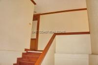 Jomtien Complex Condotel 946111