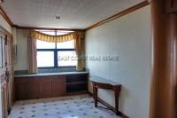 Jomtien Complex Condotel 946125