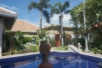 Jomtien Park Villa houses Продажа в  Джомтьен