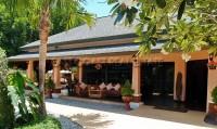 Lake Mabprachan Resort 775517