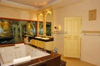 Majestic Residence 825730