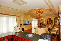 Majestic Residence 825754