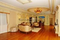 Majestic Residence 825758