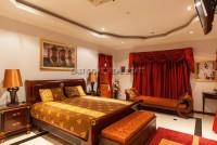 Majestic Residence  527348
