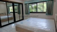 Pong House 986913