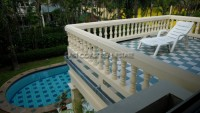 Pong House 986915