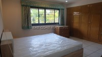 Pong House 986921