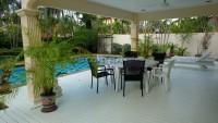 Pong House 98694
