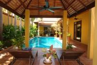 Pool Villa in Soi Wat Boon  Продажа в  Джомтьен