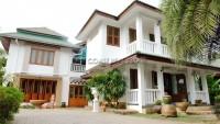 Private 4 Bedroom  houses Продажа в  Восточная Паттайя
