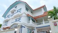 Private 9 Bedroom houses Продажа в  Вонгамат