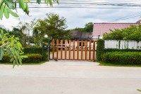 Private House in Soi Wat Yan 928520