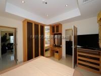 Royal Park Apartment 951015