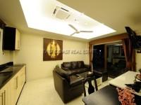 Royal Park Apartment 951017
