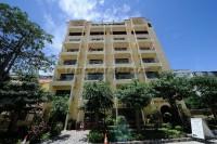 Royal Park Apartment 951019