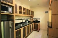 Royal Park Apartment 951025