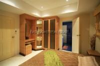 Royal Park Apartment 951027
