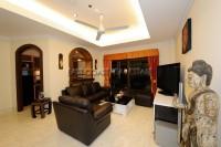Royal Park Apartment 95105