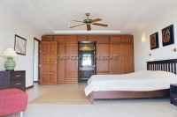 Royal Residence 809725