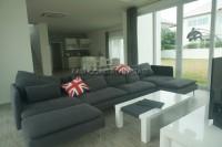 Seabreeze Villa 832219