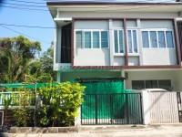 Sirisuk Town House houses Продажа в  Восточная Паттайя