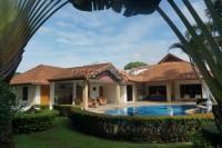 Soi Thepnimit houses Продажа в  Восточная Паттайя