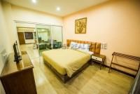 The Loft Suite Apartments 729314