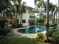 The Meadows houses Для продажи и для аренды в  Восточная Паттайя