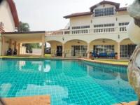Tudor Villas houses Продажа в  Восточная Паттайя