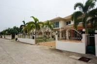 Wonder Land 4 houses Продажа в  Восточная Паттайя